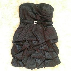 City Triangles Dresses - Black mini ruffle strapless 90''s party dress